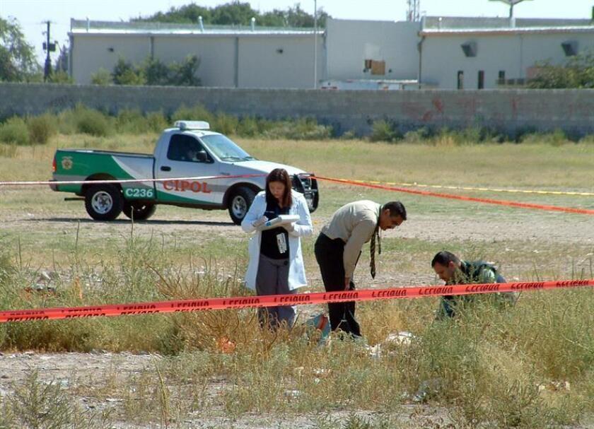 Cuarenta cadáveres sin identificar y sin reclamar fueron sepultados hoy en un panteón municipal de Ciudad Juárez, informó la Fiscalía General del norteño estado mexicano de Chihuahua. EFE/Archivo