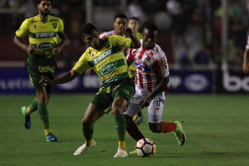 Defensa knocks off Colon, closes in on Superliga Argentina's top spot