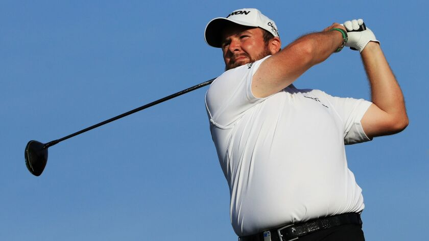 Shane Lowry of Ireland plays his shot from the 16th tee during Day Two of the Abu Dhabi HSBC Golf Championship at Abu Dhabi Golf Club on January 17, 2019 in Abu Dhabi, United Arab Emirates.