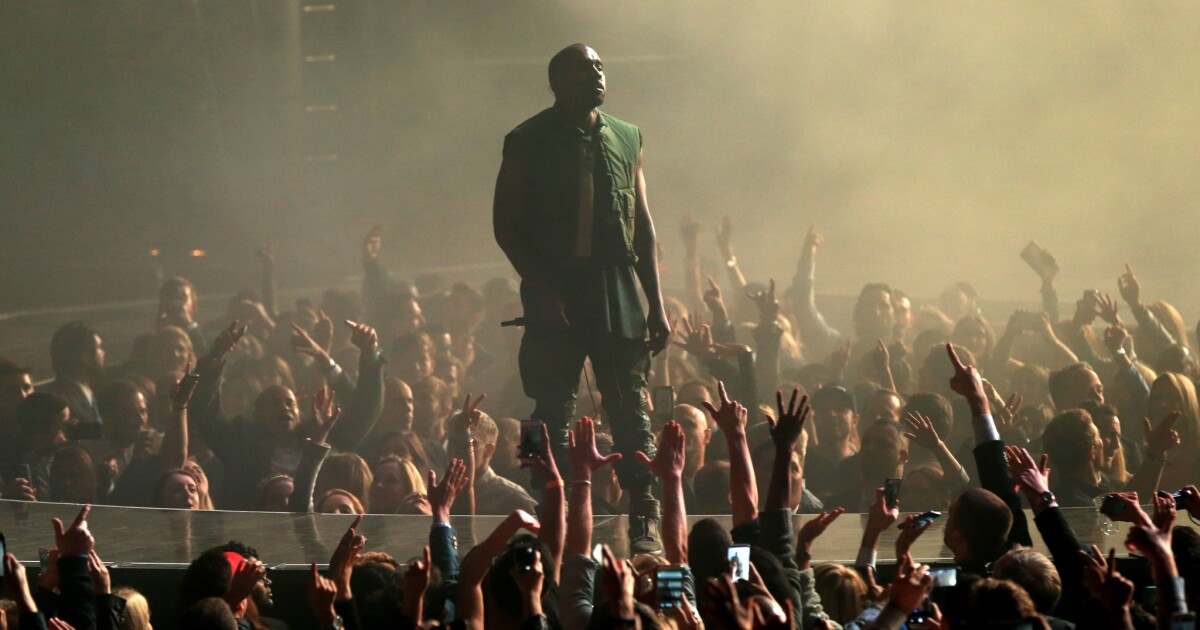 Dave Chappelle jets off to see Kanye West in Wyoming