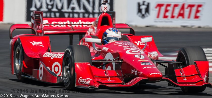 Scott Dixon on his way to win the IndyCar 2015 Toyota Grand Prix of Long Beach