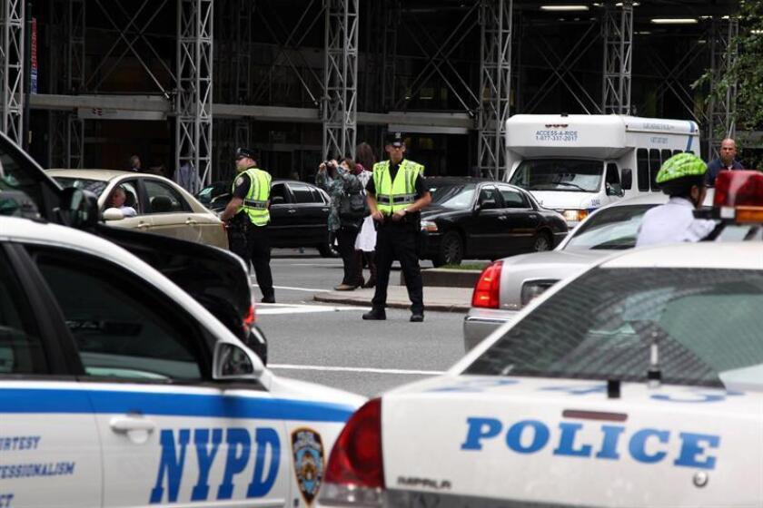 La policía de Nueva York cierra las avenidas y calles que rodean la sede de las Naciones Unidas el 22 de septiembre de 2009, creando una situación caótica en el transito de la ciudad.