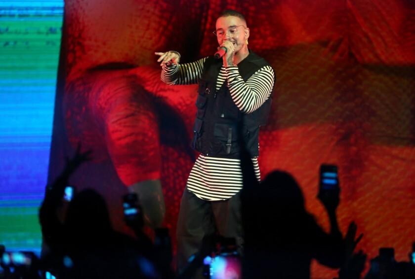 El reggaetonero colombiano J Balvin ha sido invitado para ocupar un rol estelar en un festival de Coachella que abandona sus raices rockeras.