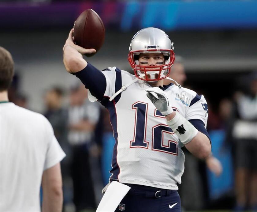 Brady, de 41 años, que ocupa el tercer lugar en la historia de la NFL con 497 pases de touchdown en su carrera, y Brees, el cuarto con 496 pases de anotación, pueden convertirse en el tercer y cuarto mariscal de campo en lanzar al menos 500 pases de touchdown en su carrera. EFE/Archivo