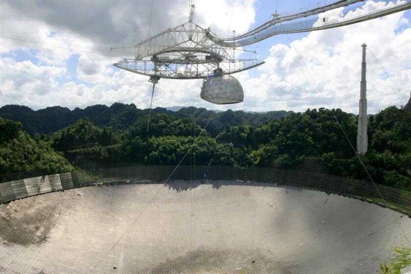 La Fundación Nacional de la Ciencia (NSF, por sus siglas en inglés) ha anunciado que acepta propuestas para operar el Observatorio de Arecibo, uno de los más grandes del mundo y situado en la costa norte de Puerto Rico, debido a dificultades financieras, confirmó a EFE un portavoz. EFE/ARCHIVO
