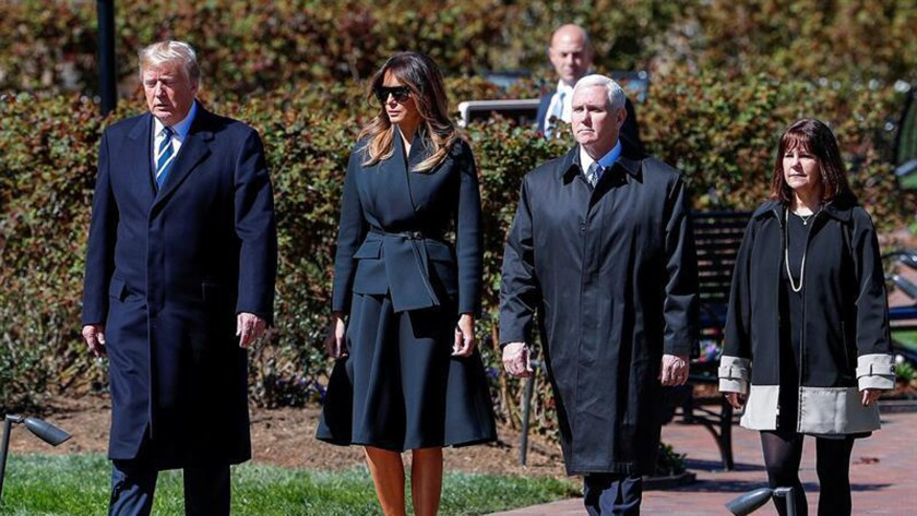 Trump asiste con Melania al funeral para despedir al reverendo Billy Graham