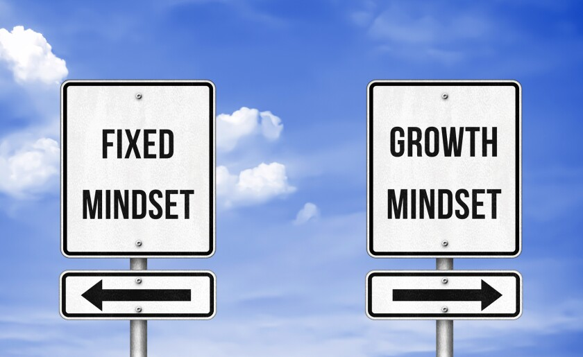 fixed mindset, growth mindset directional signs