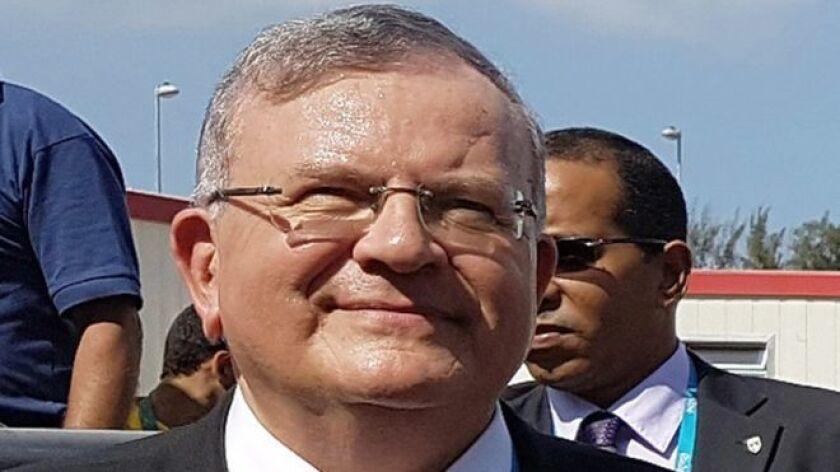 La policía de Río está trabajando en el supuesto de que la esposa de Amiridis tenía una relación extramatrimonial con Gomes Moreira y había conspirado para matarlo, informaron medios locales.