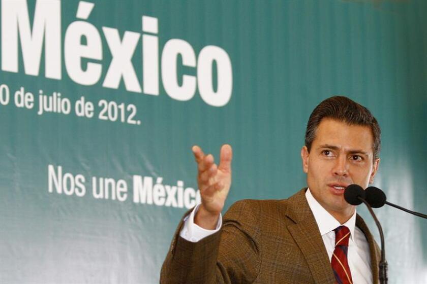 El presidente de México, Enrique Peña Nieto, habla durante una rueda de prensa en Ciudad de México. EFE/Archivo