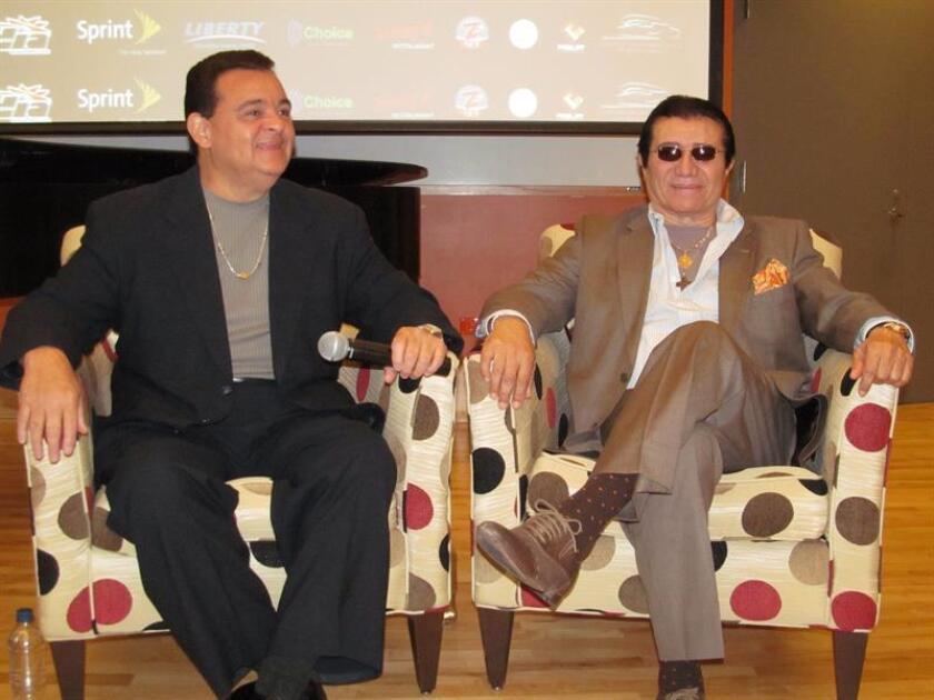 Fotografía de archivo de los músicos puertorriqueños Richie Ray (izda) y Bobby Cruz (dcha). EFE/Archivo