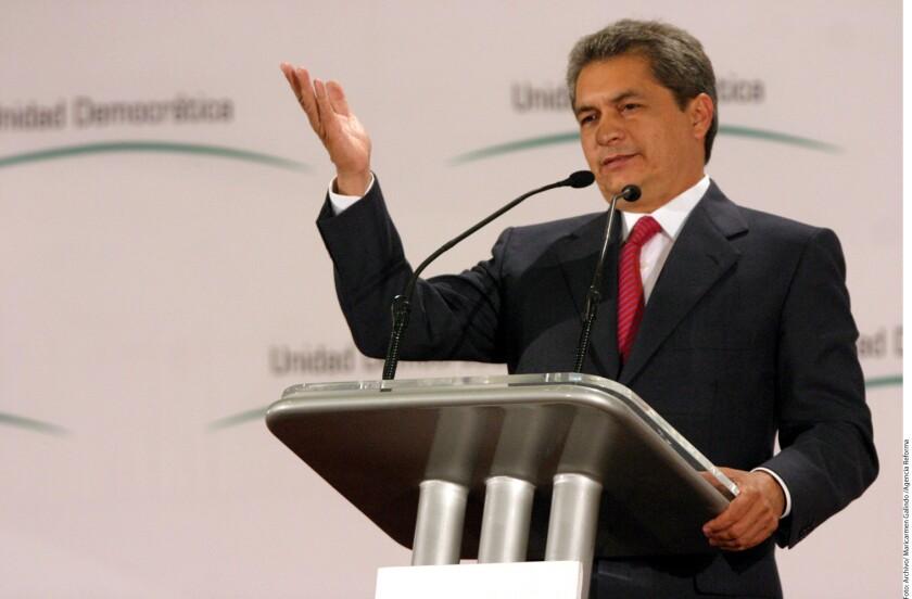 La Procuraduría General de la República de México (PGR, fiscalía) ofreció una recompensa de 15 millones de pesos (unos 728.000 dólares) a quien dé información que lleve a la captura del exgobernador del estado de Tamaulipas Tomás Yarrington, acusado de narcotráfico.