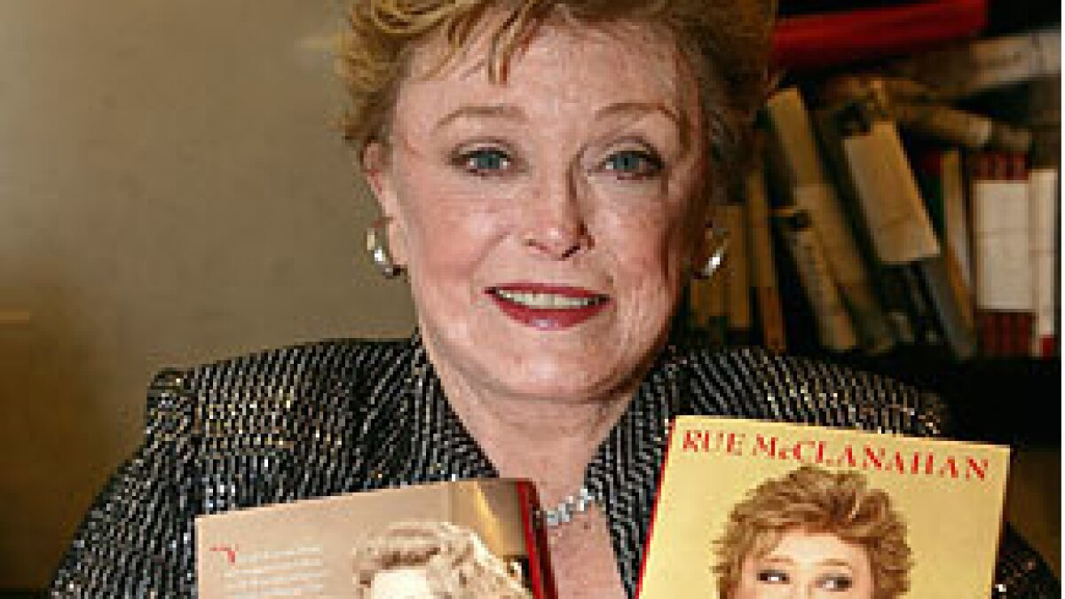 the sceniac: rue mcclanahan - 'golden' with the gays - los