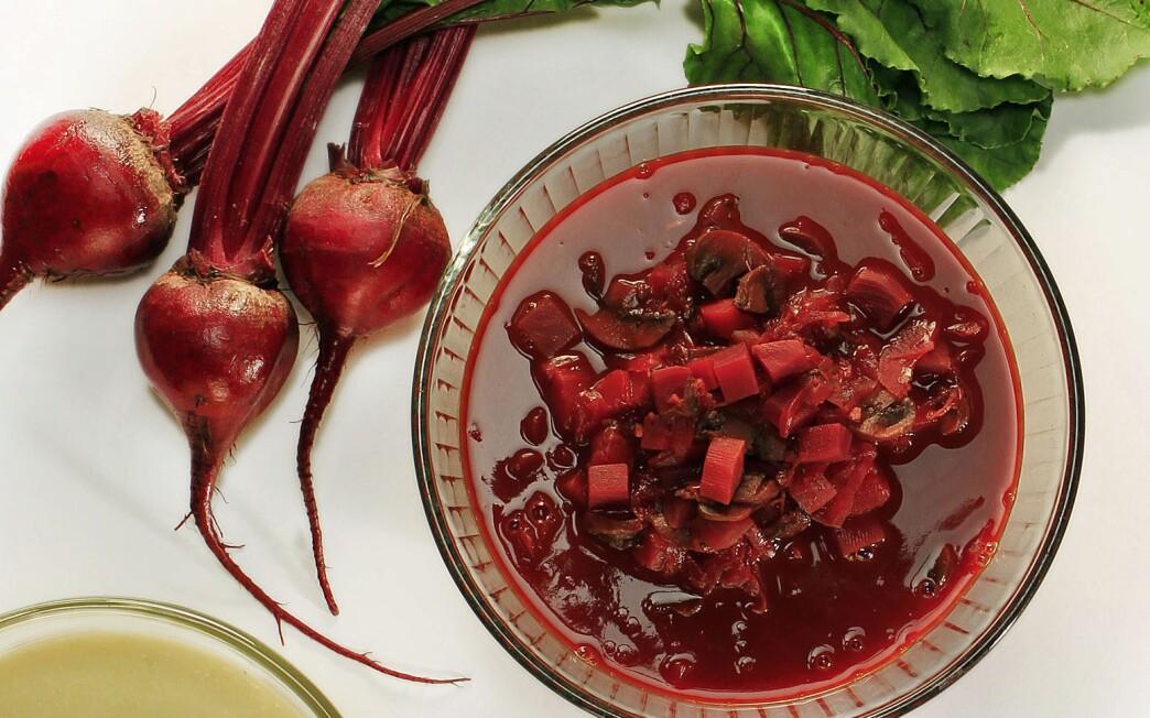 Spiced mushroom borscht