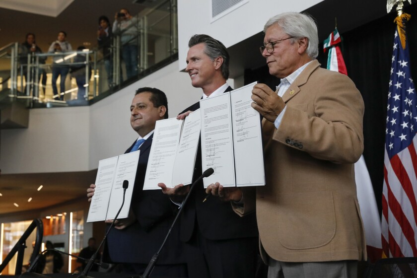 Baja California Sur Governor Carlos Mendoza Davis, Governor Gavin Newsom, and Baja California Norte Governor Jaime Bonilla Valdez signed an MOU to reestablish the Commission of the Californias.