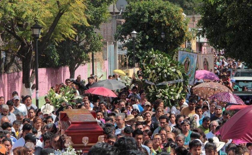 """Los dos sacerdotes mexicanos asesinados la madrugada del 5 de febrero en el tramo carretero Taxco-Iguala no pertenecían """"a ningún grupo de la delincuencia organizada"""", señalaron hoy las autoridades del sureño estado de Guerrero. EFE/ARCHIVO"""