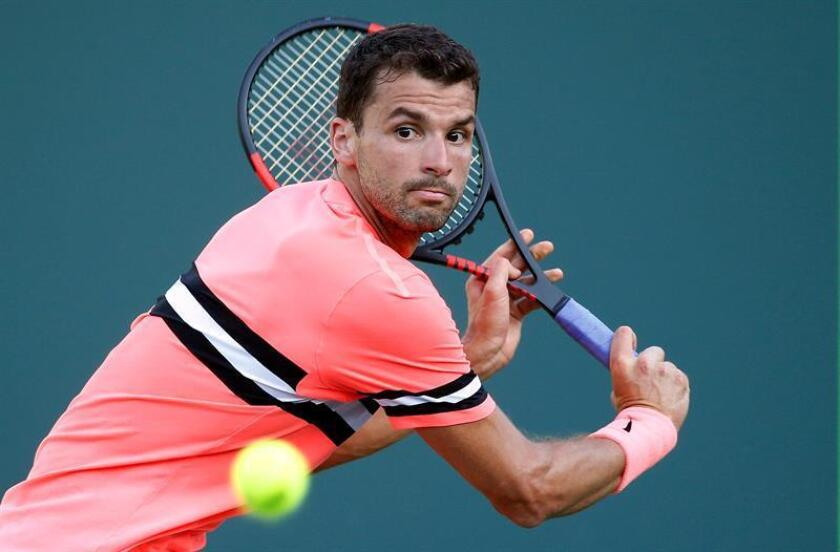 Grigor Dimitrov of Bulgaria in action against Jeremy Chardy of France during their second round match at the Miami Open tennis tournament on Key Biscayne, Miami, Florida, USA, 25 March 2018. (Abierto, Tenis, Francia, Estados Unidos) EFE