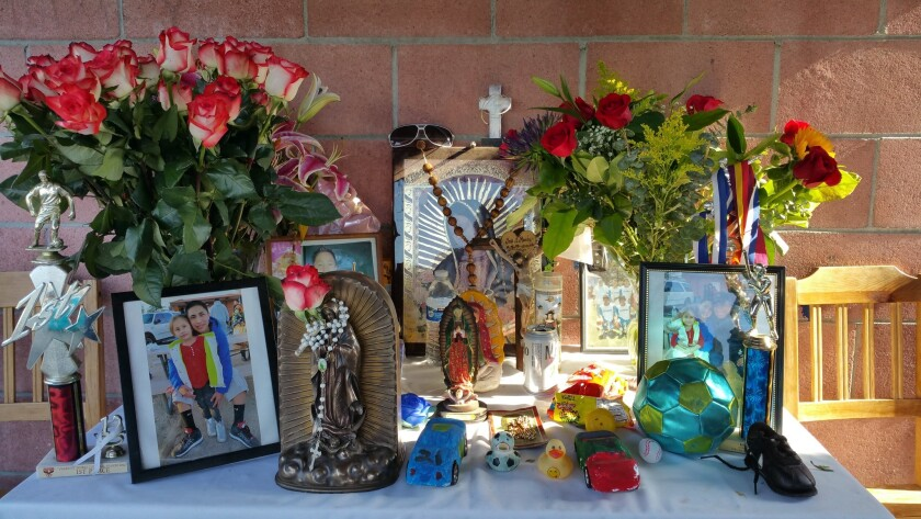 El altar dedicado a José Juan Méndez, muerto a manos de la policía hace seis meses en Boyle Heights
