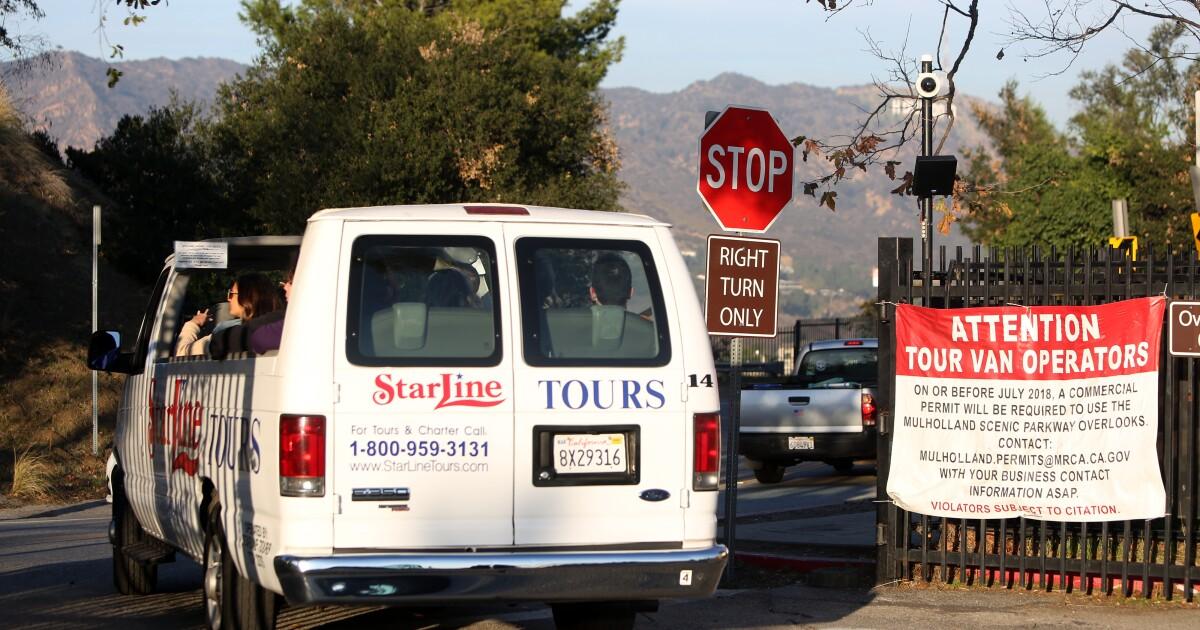 L. A. mungkin membatasi pemesanan tur vans setelah keluhan dari Hollywood Hills warga
