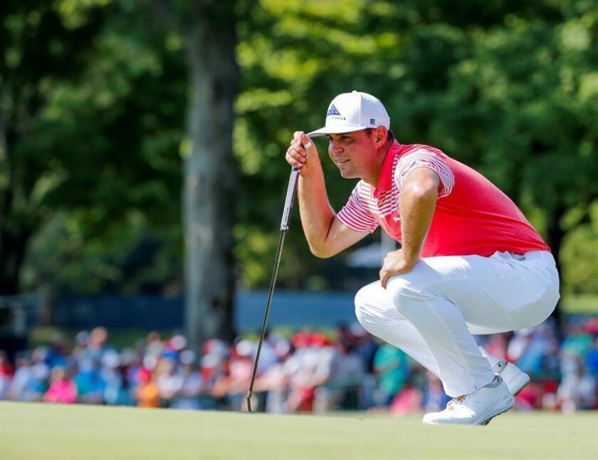 El golfista estadounidense Gary Woodland, quien se mantiene, por segunda jornada consecutiva, al frente del Sentry Tournament Champioship, primer torneo de la temporada de la PGA. EFE/Archivo