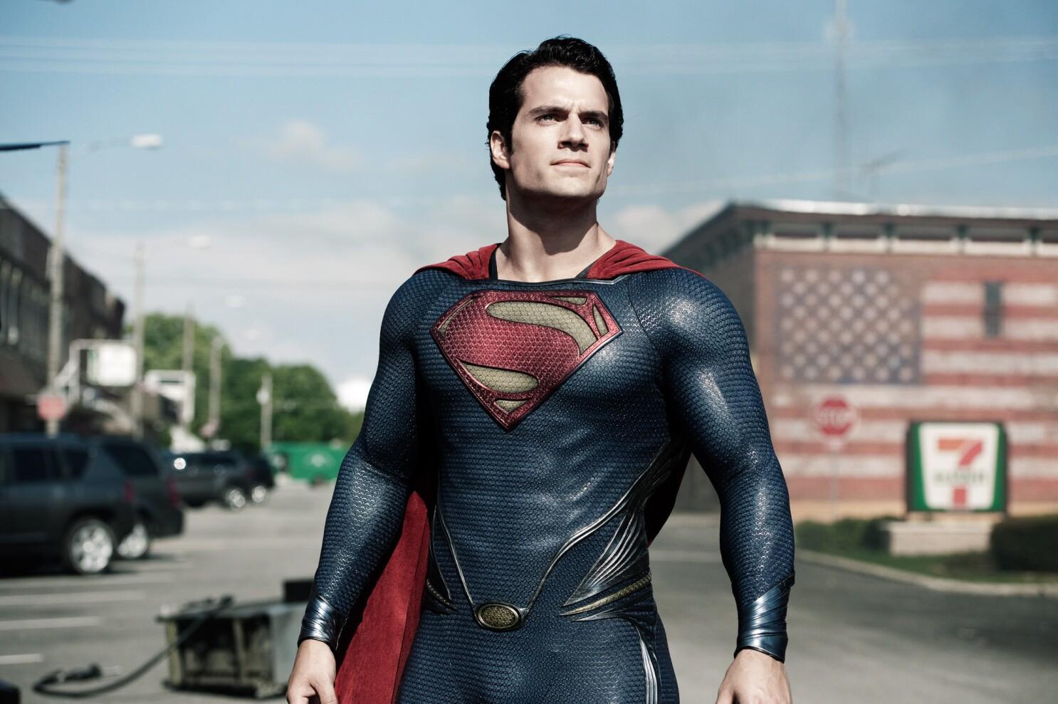 Henry Cavill teases Clark Kent look in 'Batman v Superman' set photo - Los  Angeles Times