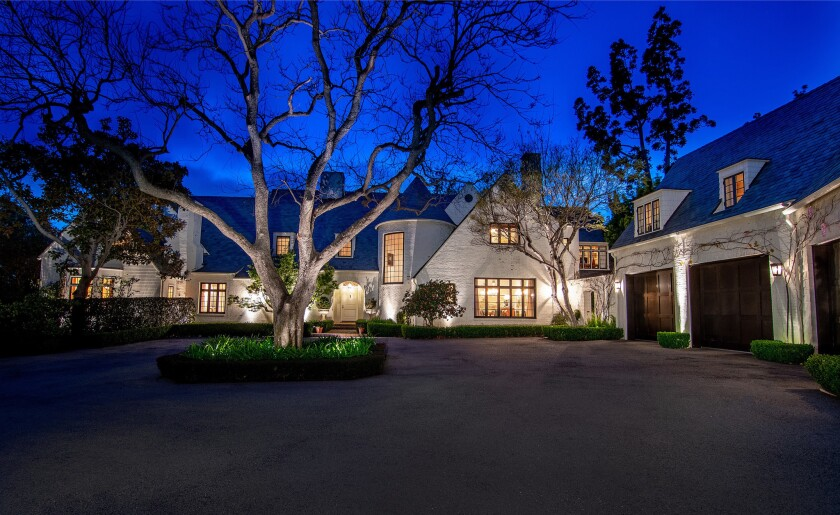 Fleetwood Mac's Lindsey Buckingham sells Brentwood compound for $28 million