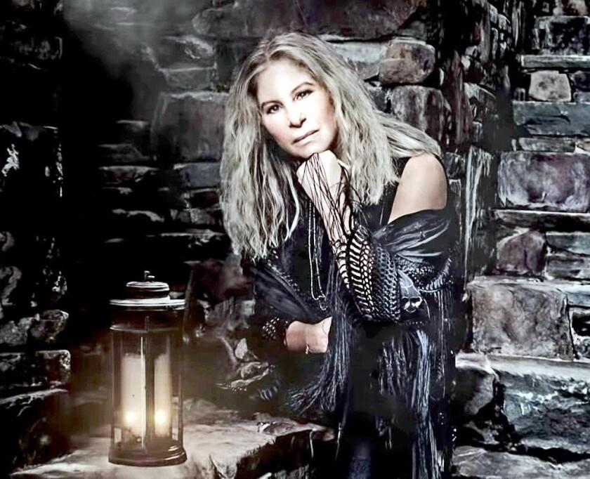 La cantante y actriz Barbra Streisand (foto), de 76 años, es una voz crítica contra el mandatario Donald Trump desde su elección.