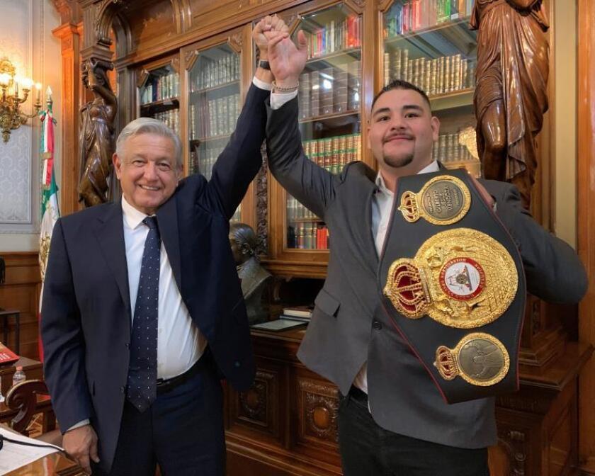 Andy Ruiz Jr., ejemplo de lucha, entrega y perseverancia, dice López Obrador