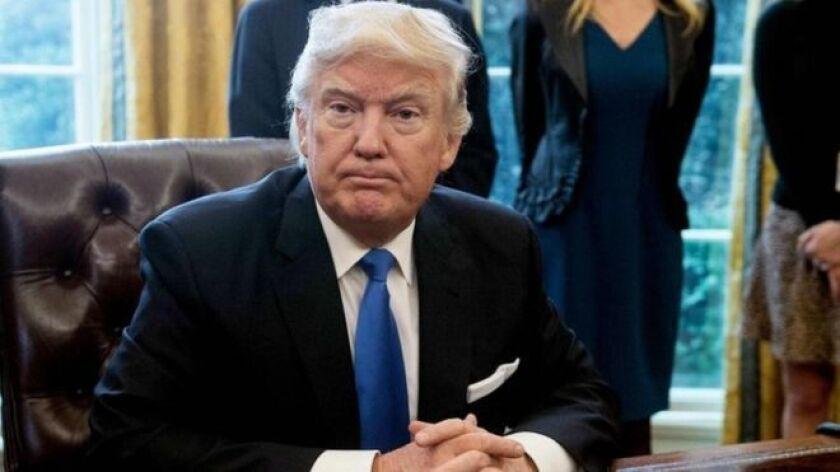 """El presidente de EE.UU., Donald Trump, anunció que este miércoles será un """"gran día"""" en temas de seguridad nacional, que incluirá el anuncio de la construcción del muro en la frontera con México."""