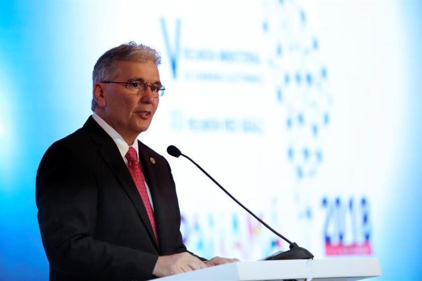 El Administrador General de la Autoridad Nacional para la Innovación Gubernamental de Panamá, Irvin Halman, habla hoy jueves 15 de noviembre de 2018 durante la inauguración de la V Reunión Ministerial de Gobierno Electrónico y la XII Reunión de la Red de Gobierno Electrónico de América Latina y el Caribe (Red GEALC) en un hotel de la localidad en ciudad de Panamá. EFE