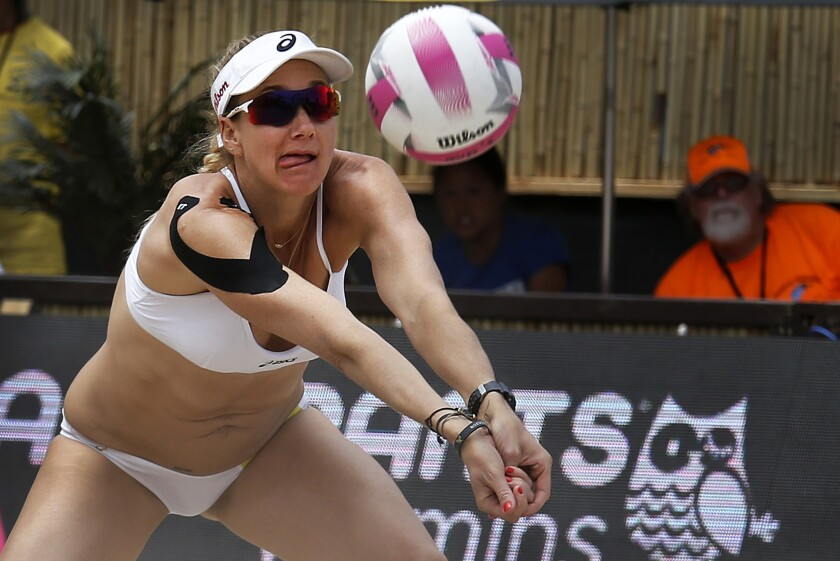 There are no surprises in men's and women's title matches at AVP tournament