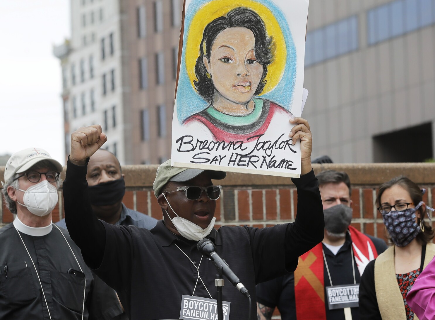 Louisville Police Officer In Breonna Taylor Shooting Fired Los Angeles Times
