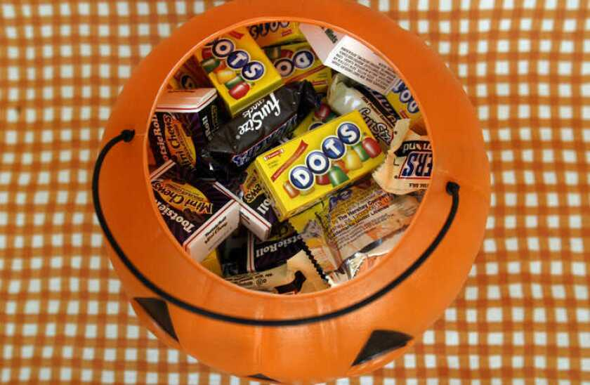 Halloween sales will slump in 2013 compared with last year, according to the National Retail Federation.