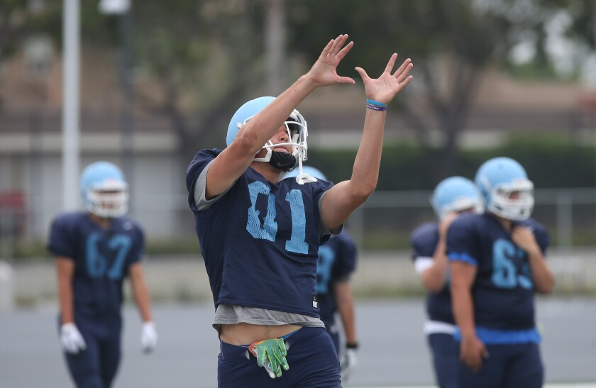 tn-dpt-sp-nb-cdm-football-preview-6.JPG