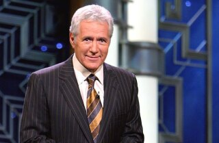 """Host Alex Trebek mówi, że nie jest jeszcze gotowy do przejścia na emeryturę w Jeopardy.'t ready to retire from """"Jeopardy"""" just yet."""