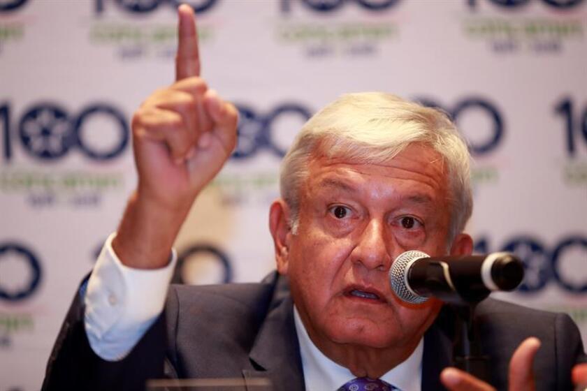 El próximo presidente de México, el izquierdista Andrés Manuel López Obrador, habla durante una rueda de prensa en Ciudad de México (México). EFE/Archivo