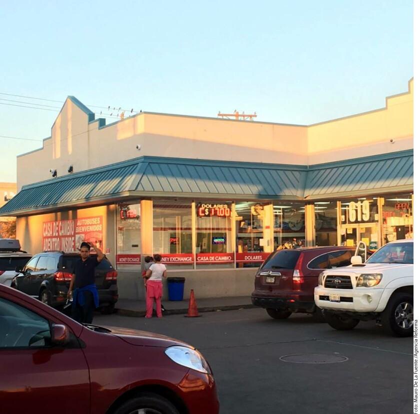 Foto de archivo de negocios en la frontera.