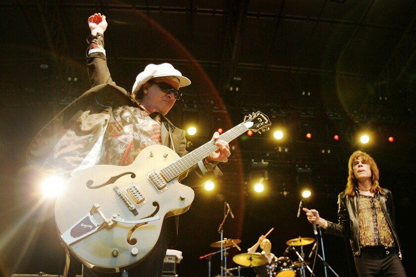Sylvain Sylvain, left, performing with David Johansen and the New York Dolls in 2007.