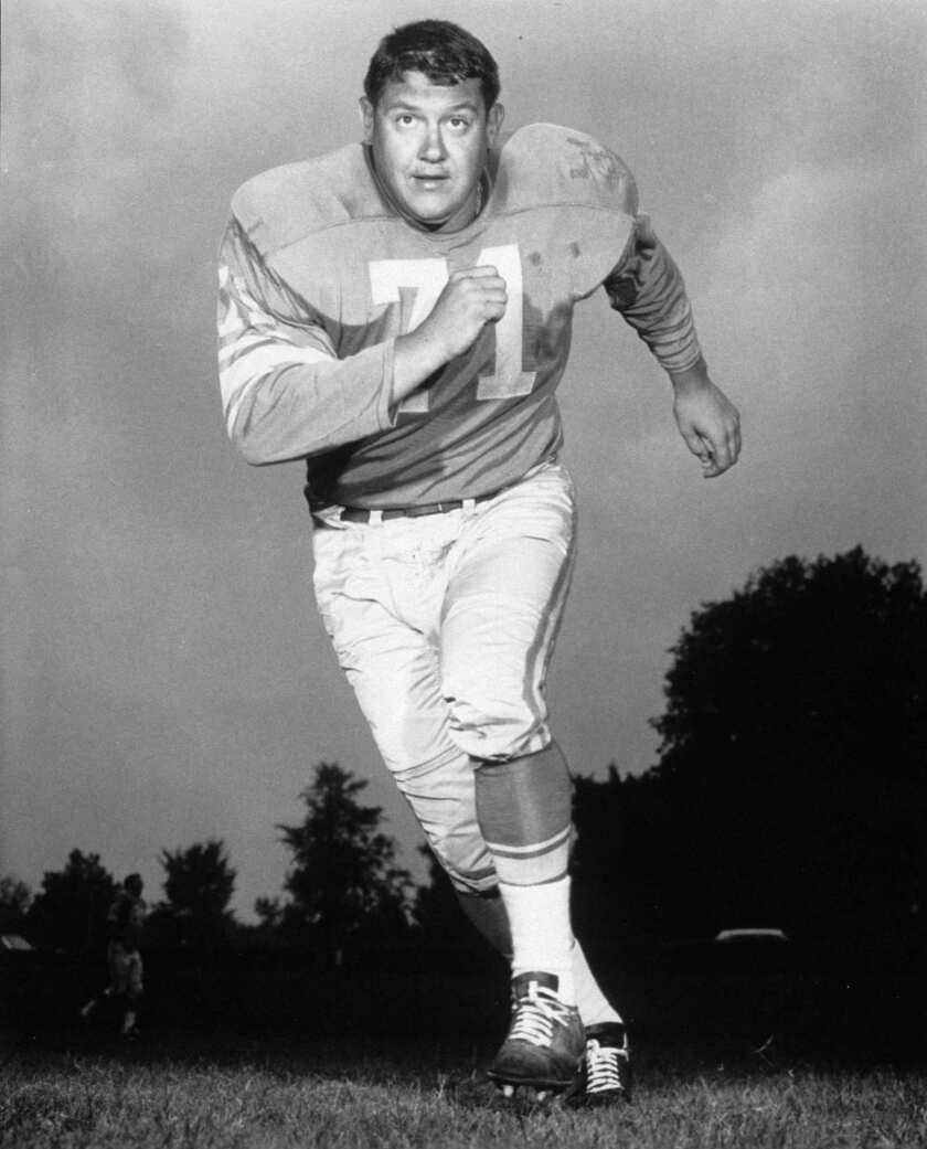 Alex Karras, who gained fame in the NFL as a fearsome defensive lineman, then went on to become a successful actor, has died. He was 77.