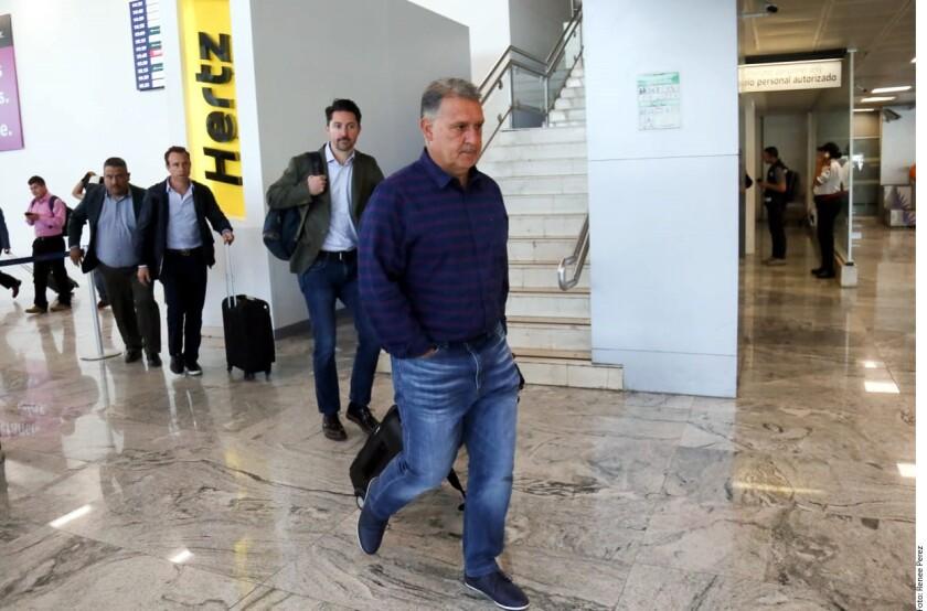 """Gerardo """"Tata"""" Martino, Director Técnico de la Selección Mexicana, arribó a Guadalajara para continuar con sus visitas a los campamentos de los equipos de la Liga MX."""