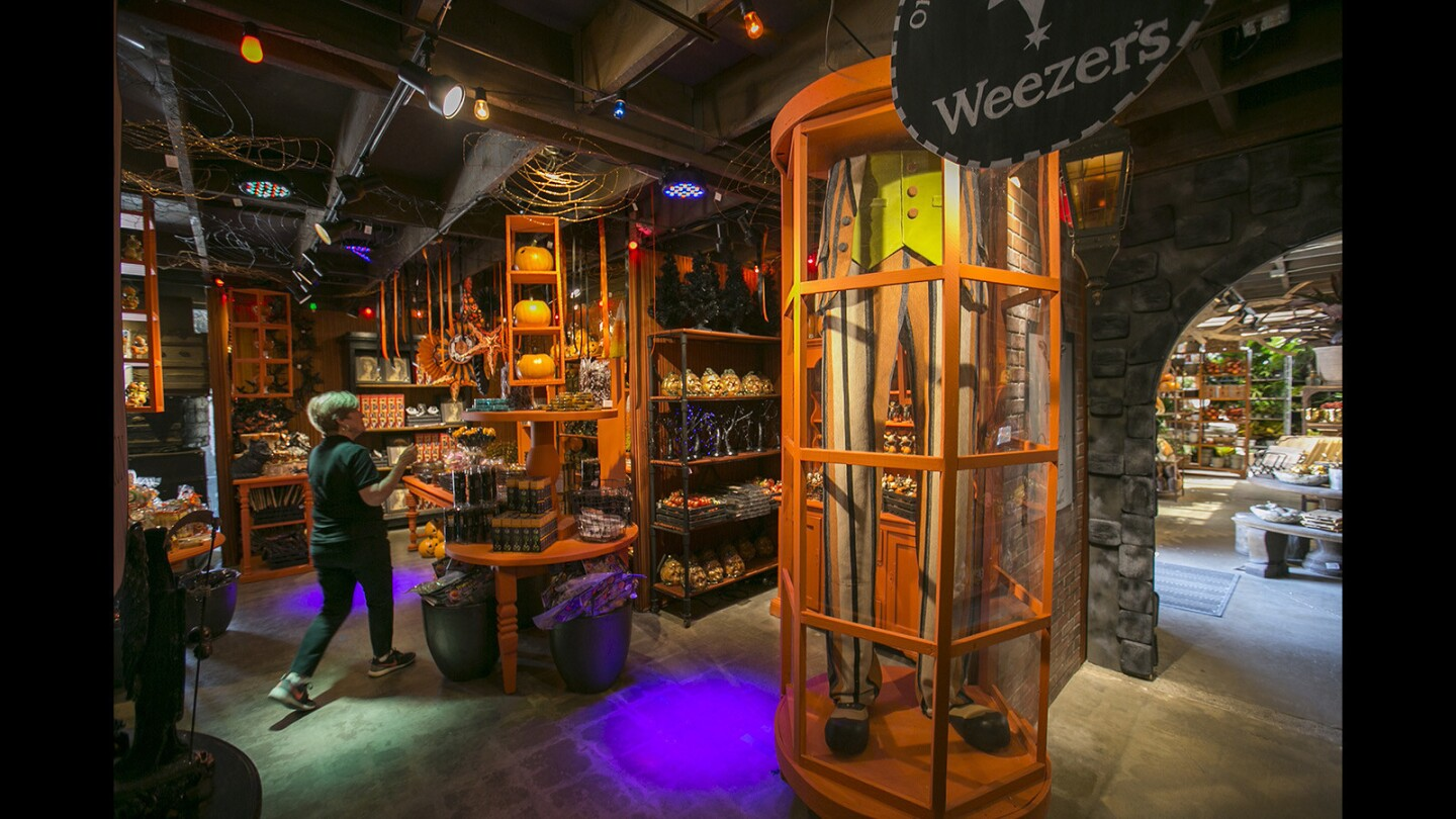Photo Gallery: The Magic & Mayhem Halloween Boutique at Roger's Gardens