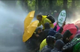 Protestas a las afueras de la cumbre G-20 en Alemania