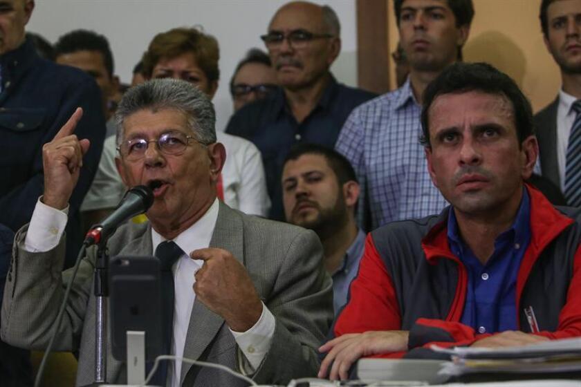 El antichavismo en Venezuela volverá a la calle desde este sábado luego de que el Poder Electoral decidiera posponer el proceso con que pretendían revocar el mandato del presidente, Nicolás Maduro, por un supuesto fraude cometido en uno de los requisitos, completado en mayo pasado.