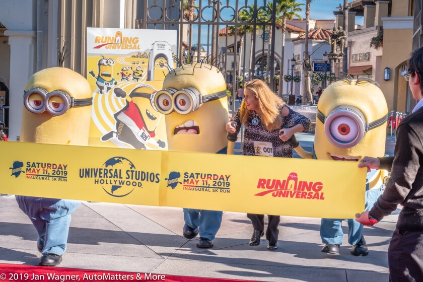 01749-20190124 Running Universal-Universal Studios Hollywood 1st 5K fun run-Minions+day of park attractions+CityWALK-raw stills+VIDEO with JPEGs-RX10-IV