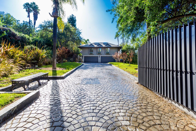 Shirley Jones' former home   Hot Property