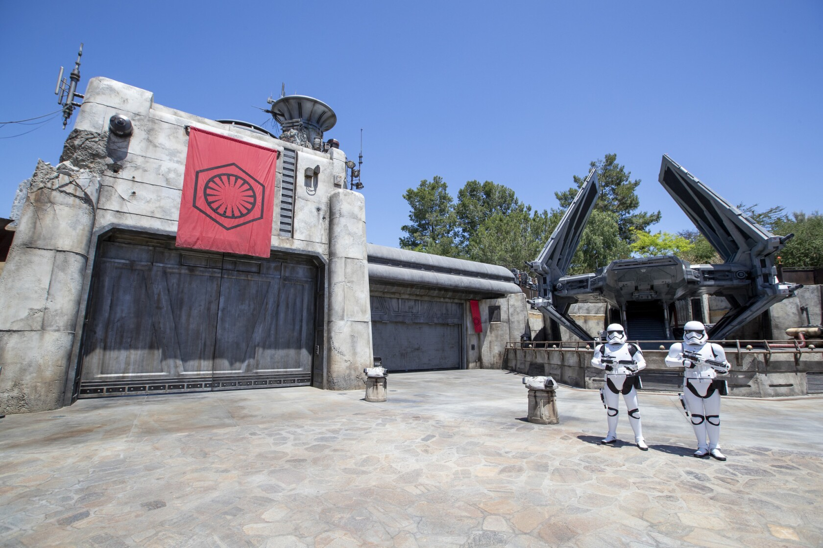 Everything to know about Disneyland's Star Wars: Galaxy's