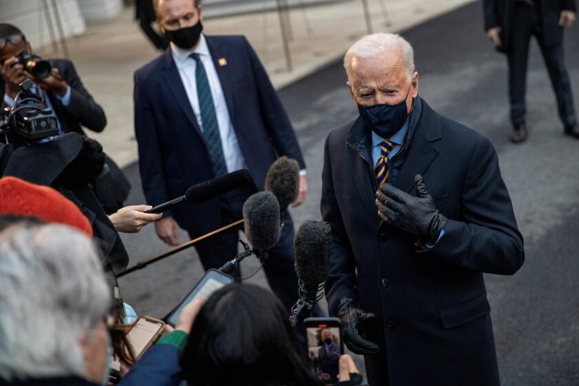 El presidente de EEUU Joe Biden contesta preguntas de la prensa en Washington