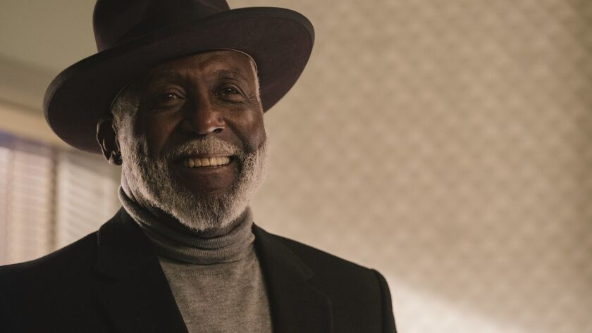 """RICHARD ROUNDTREE as John Shaft, Sr. in New Line Cinema's action comedy """"SHAFT,"""" a Warner Bros. Pict"""