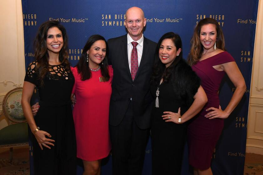 Wine & Wears co-chair Paola Middleton, Symphony Notables co-chair Linda Karimi, Richard Cox, Notables co-chair Ida Whitaker, Wine & Wears co-chair Julie Blosser