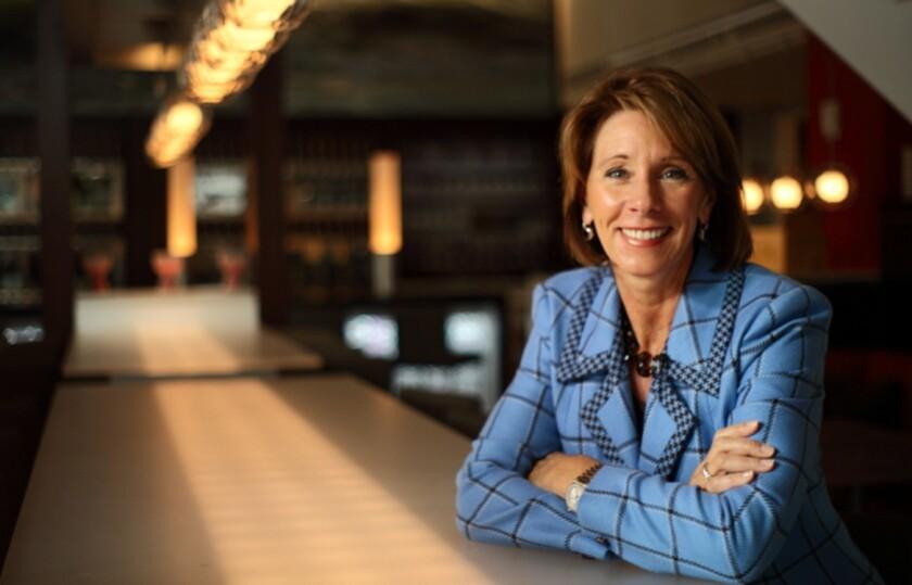 Betsy DeVos fue elegida por Donald Trump como nueva secretaria de Educación de Estados Unidos.