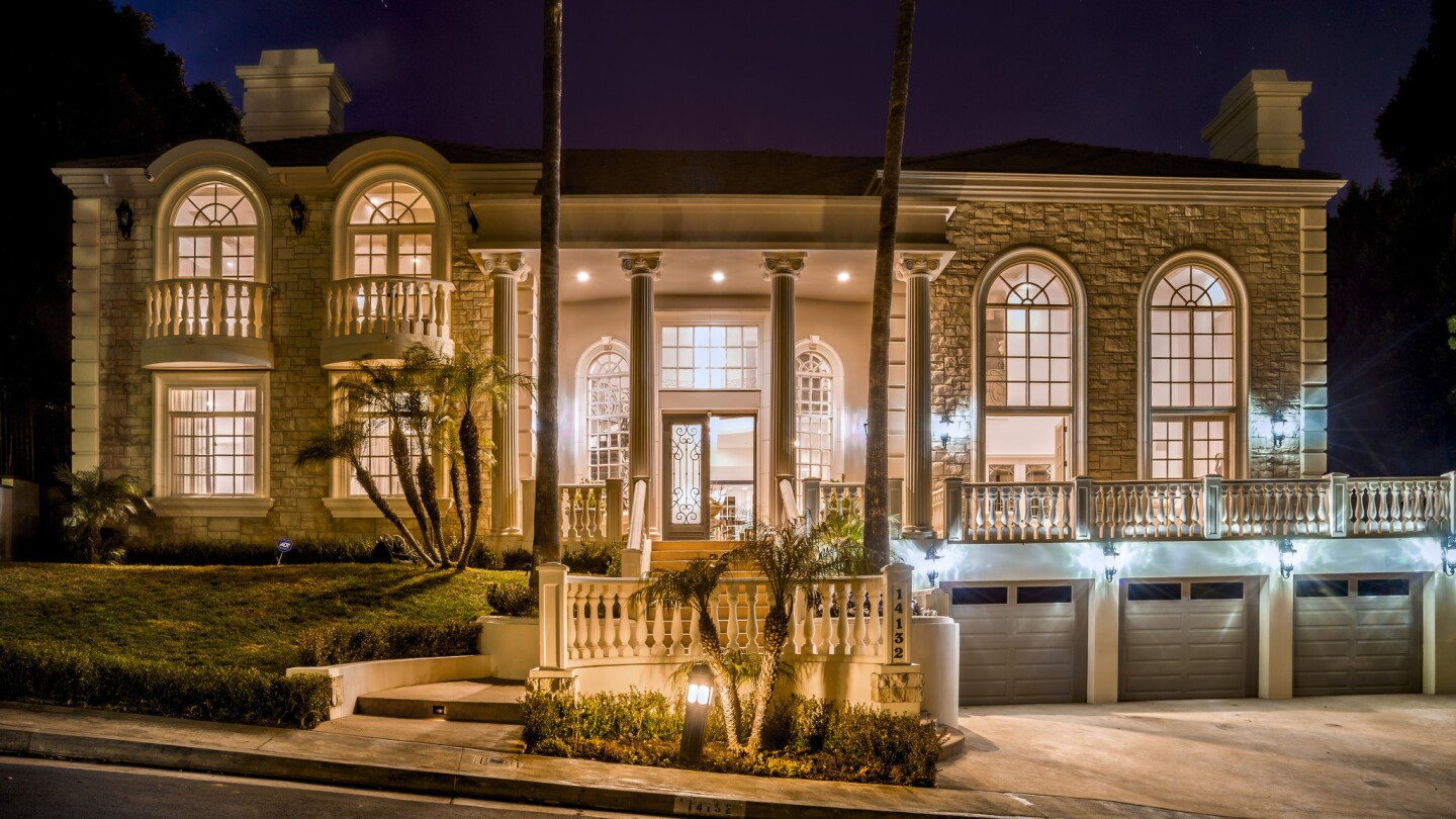 Home of the Day: French villa for lease in a celebrity neighborhood